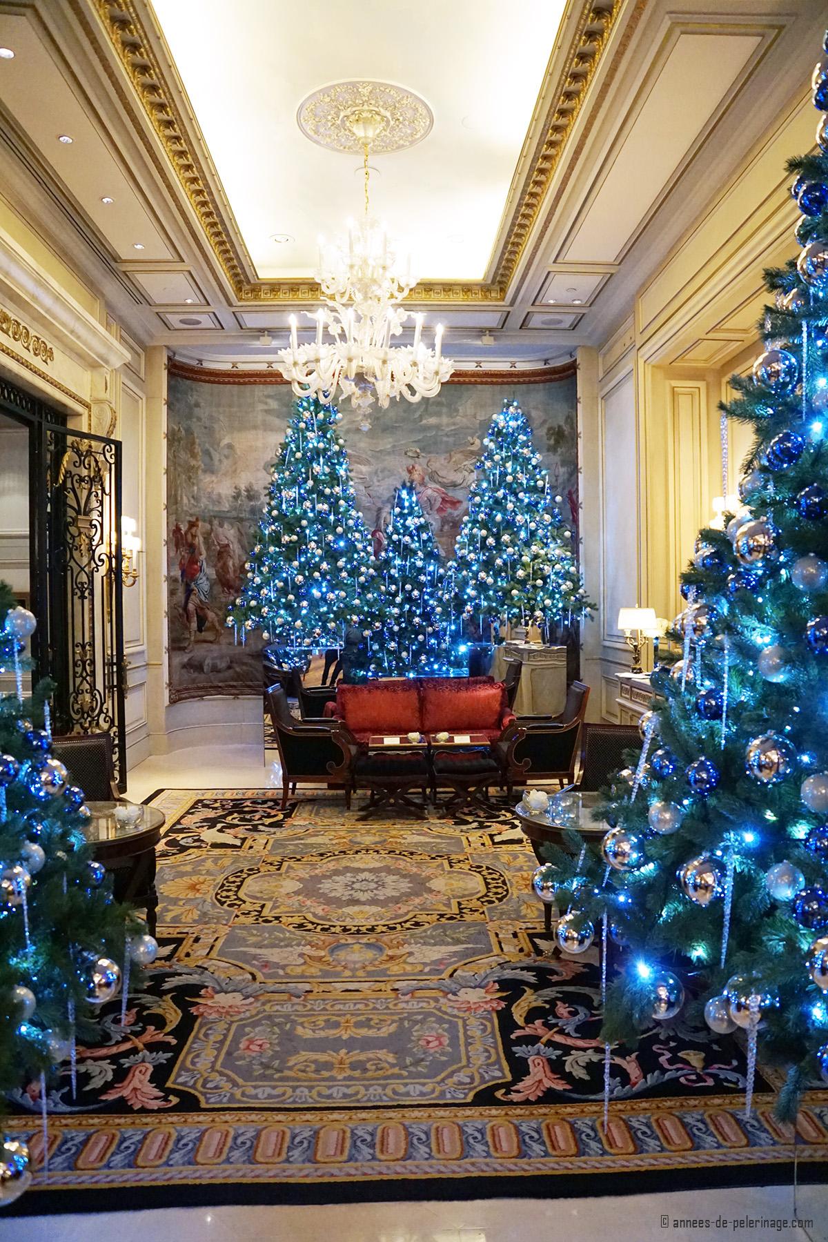 Christmas decoration four seasons hotel george v paris for 4 season decoration