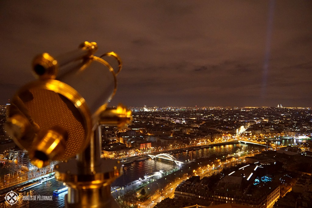 One of the many amazing things to do in Paris: Enjoying the view from the Eifel Tower at night