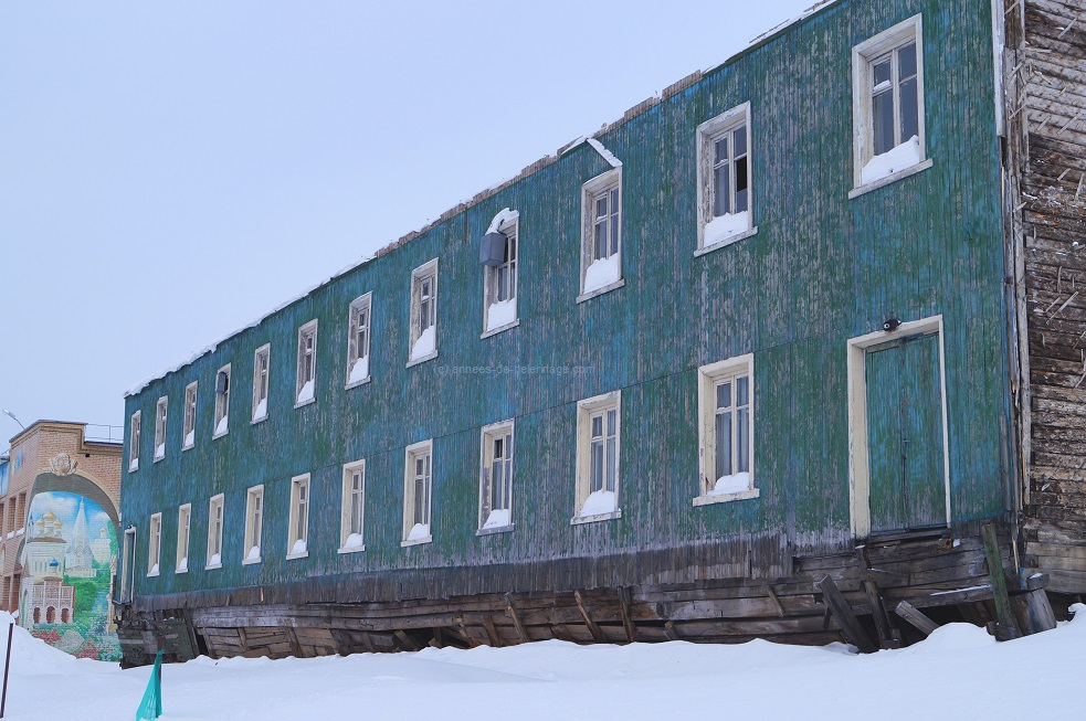 Number 3 on your things to do in Spitsbergen: Visit the russian mining settlement Barentsburg
