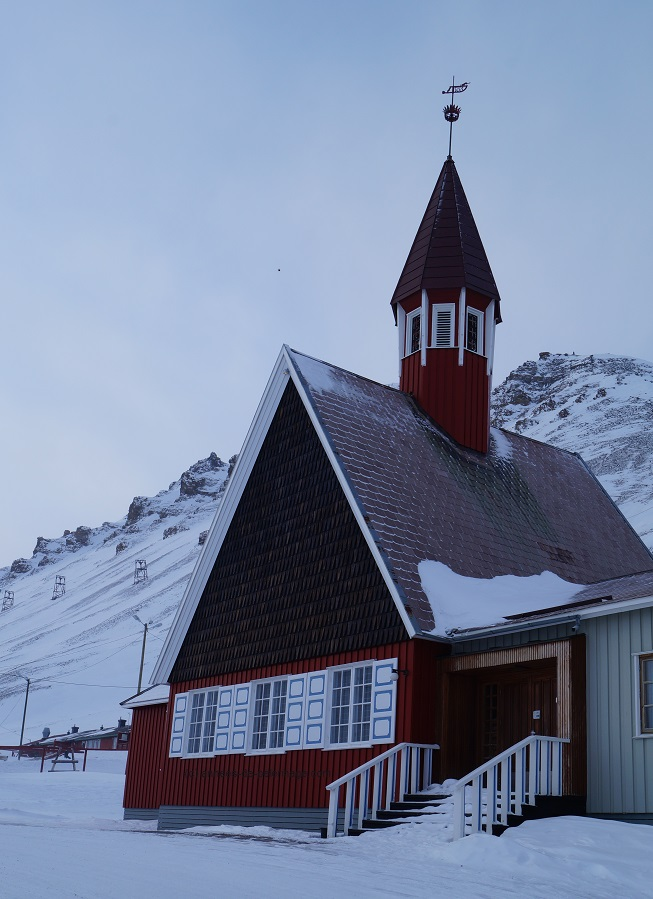 Number 7 on your things to do in Spitsbergen: Visit the most northern church in the world