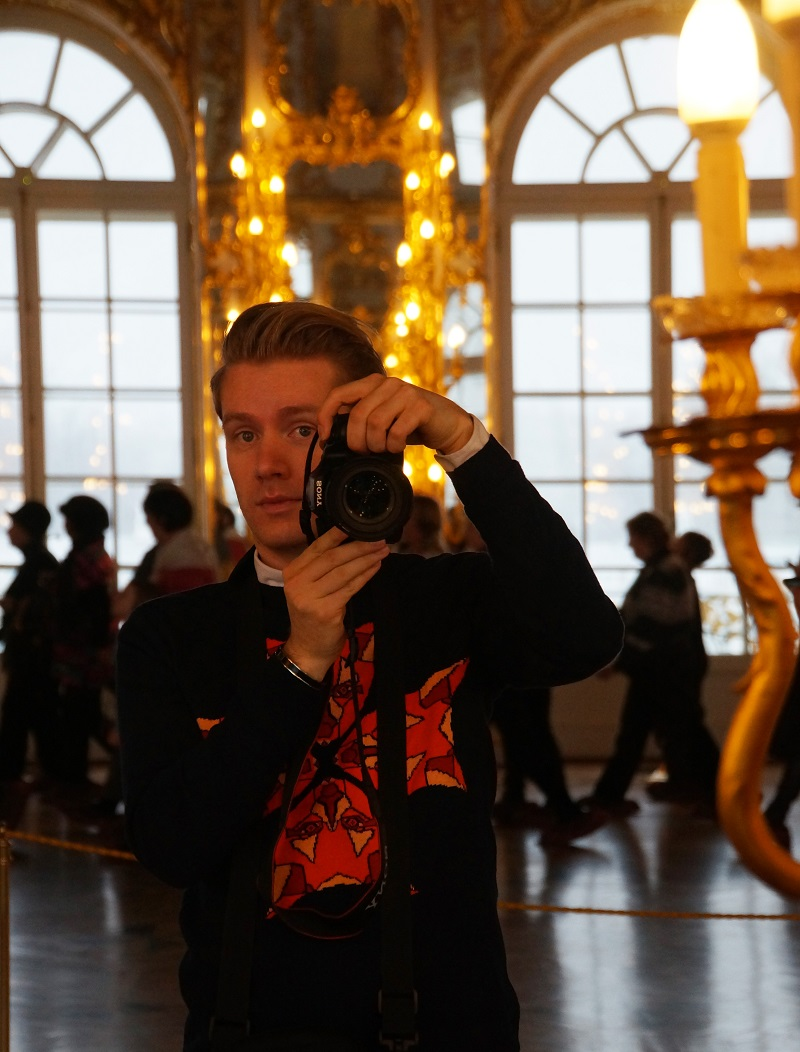taking a selfie for my travel blog in russia