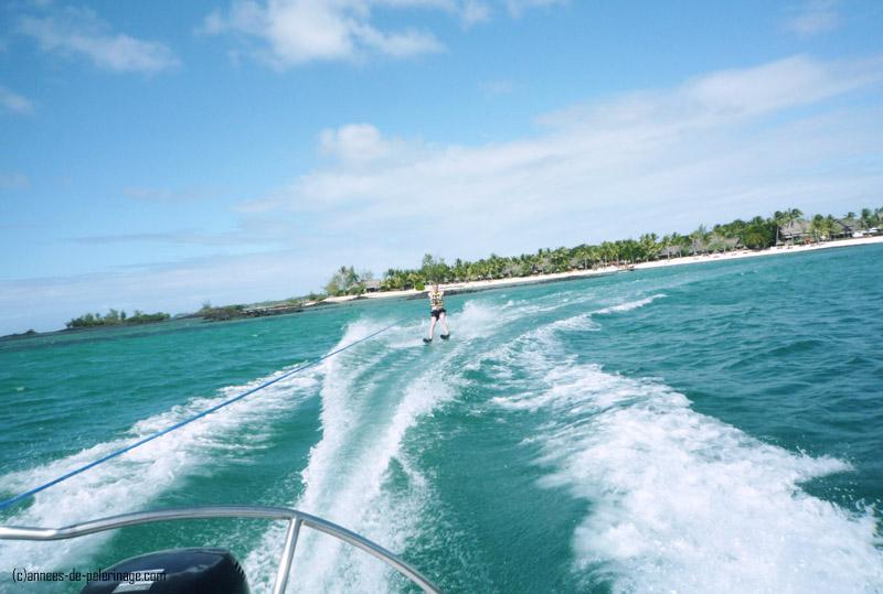 jet skiing in mauritius