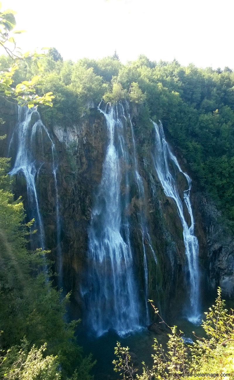 large waterfall (Veliki Slap) in Plitvice Lakes National Park in croatia