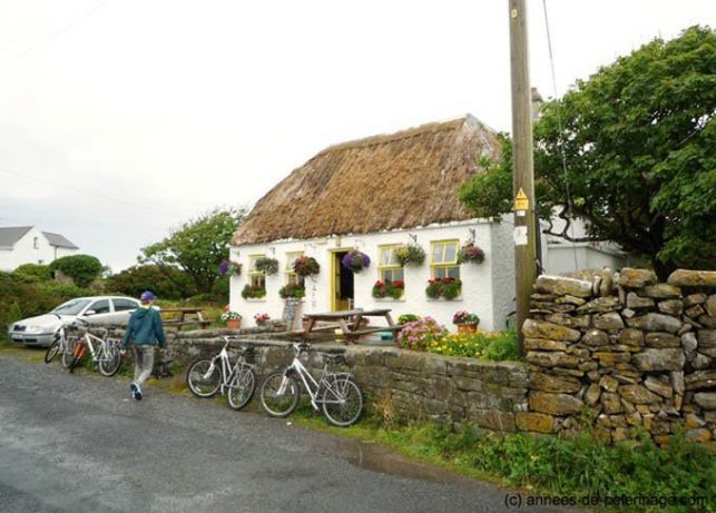 a small restaurant in front of Dún Aonghasa, Inishmore