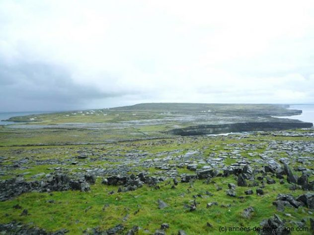 the view from Dún Aonghasa on inishmore, Aran Islands