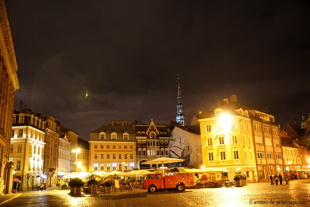 Riga central square at night
