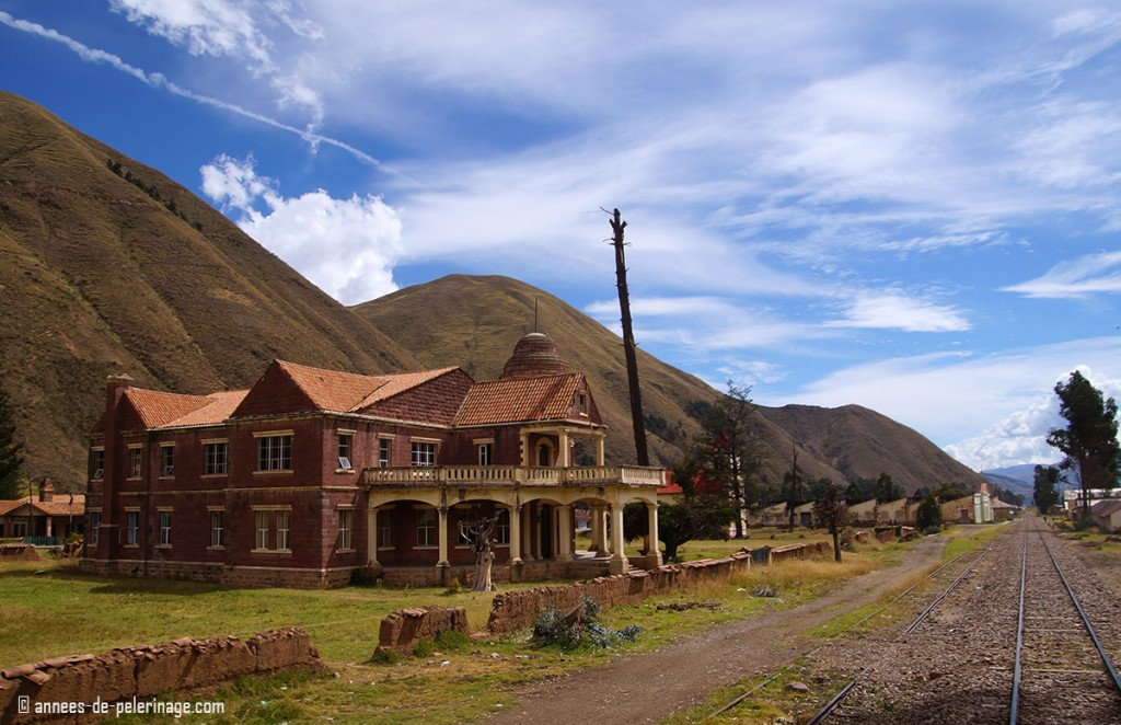 A big manison along the way from Puno to Cusco on the Andean Explorer Luxury train. Once belonged to a cotton baron.