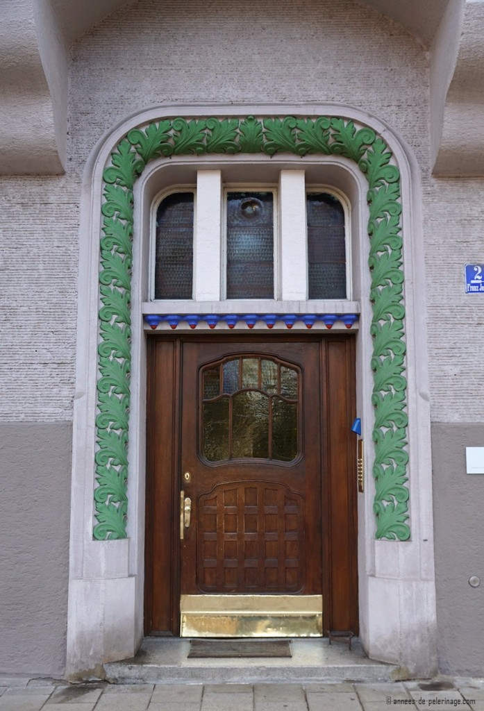 Art Nouveau door at Franz-Joseph-Strasse 2 in Munich