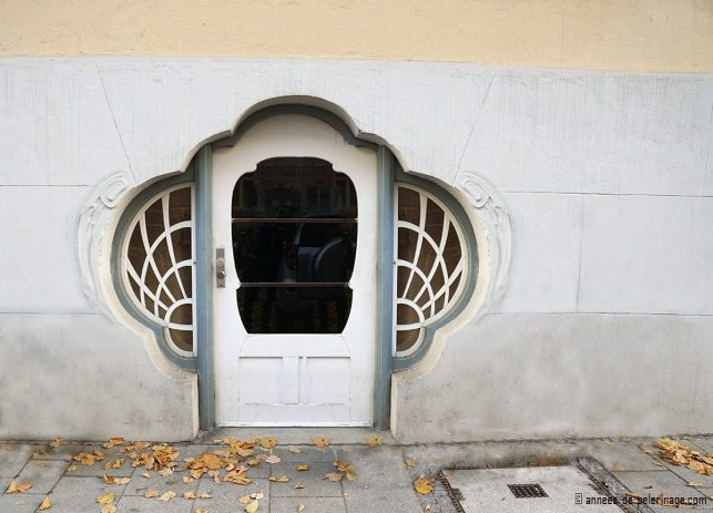 Art Nouveau door at Isabellastrasse 22 in Munich