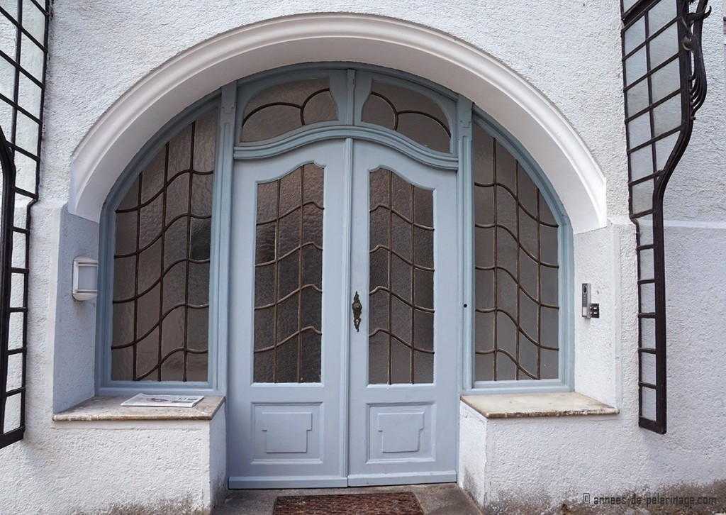 Art Nouveau door at the vila Bechtolsheim in Bogenhausen, Munich