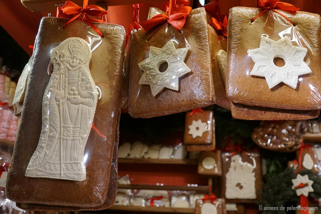 Artfully decorated gingerbread sold on the Christmas market in Munich