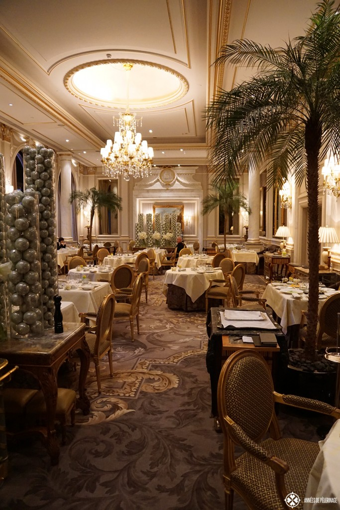 Le Cinq - a fabulous 2 Michelin Star Restaurant in Paris