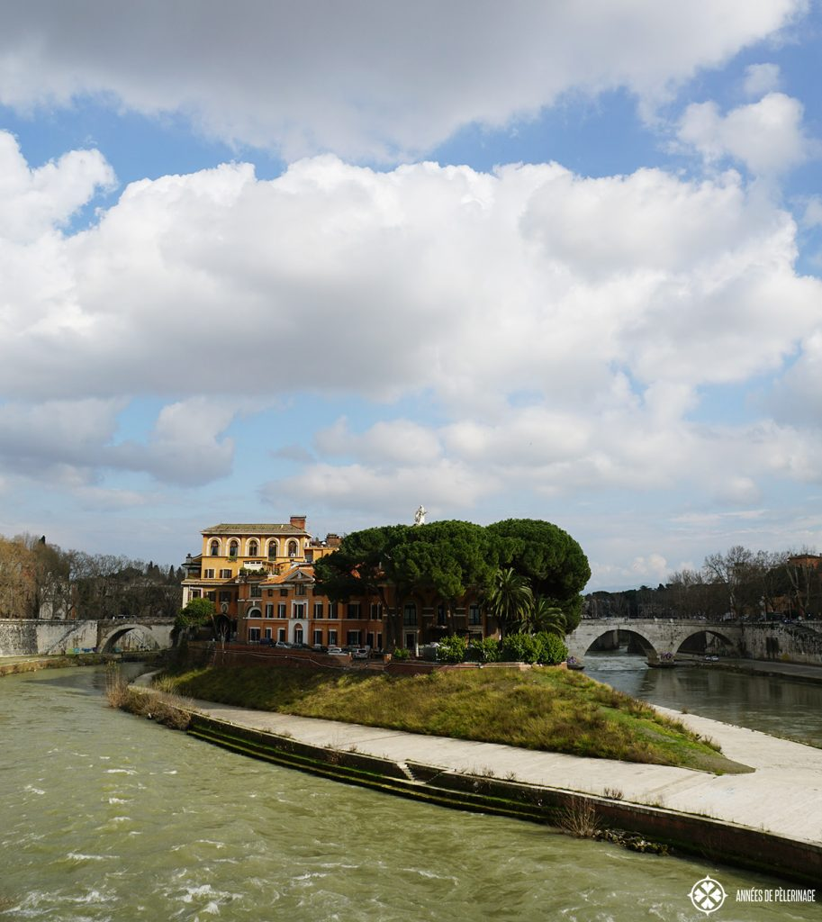 The Tiber Island in the middle of Rome, with the hospital in the middle