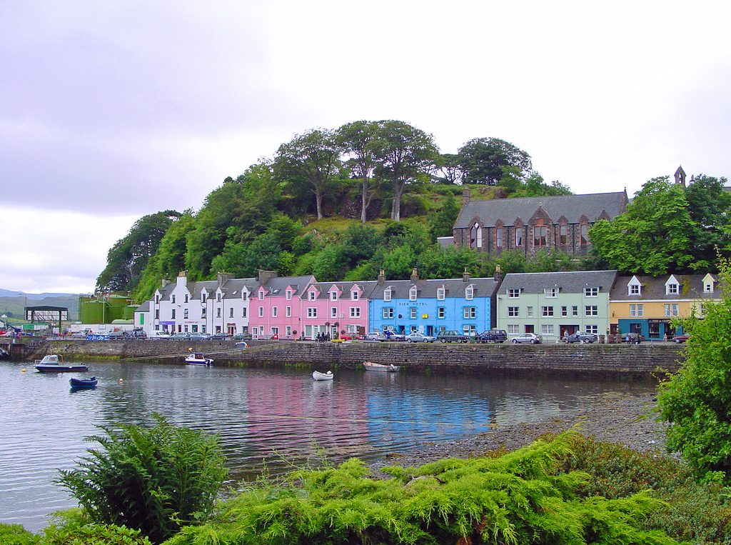 The amazing harbor of Portree on the Isle of Skye
