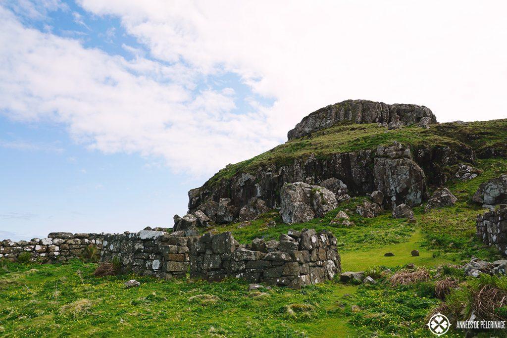 ancient house ruins lunga island scotland