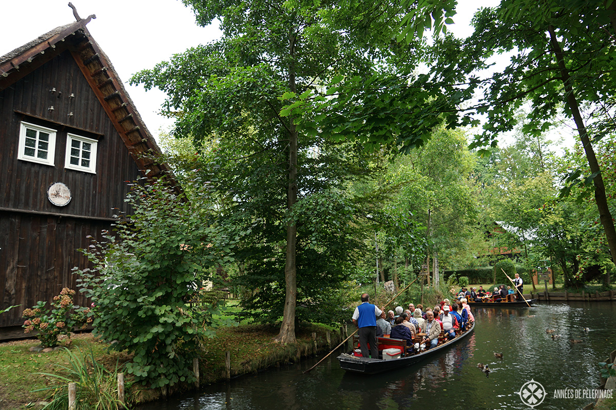 Tourists on a standard boat tour in Lehde through the Spreewald on a day trip from berlin