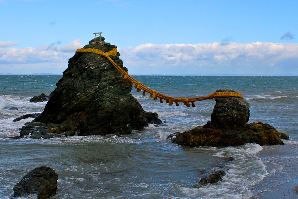 Two sacred rocks at Ise shrine Japan | pic: Travis