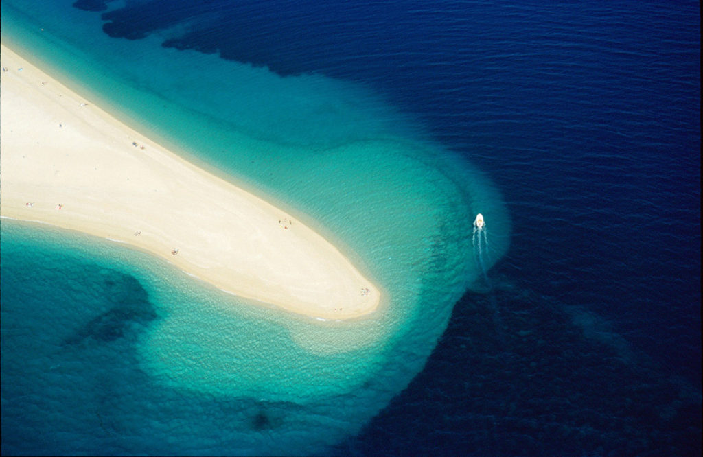 the brac breach peninsula croatia
