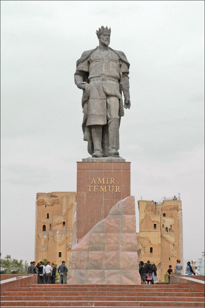 Statue of Amir Temur in Shahrisabz - one of the many beautiful things to see in Uzbekistan.