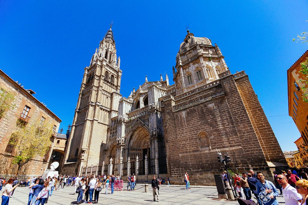 Вход в Кафедральный собор Санта-Мария-де-Толедо, Испания.