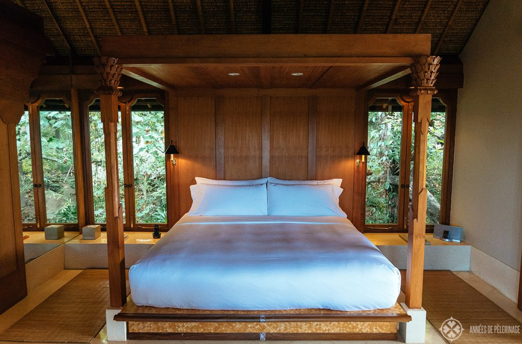 The four poster bed at the amankila luxury hotel