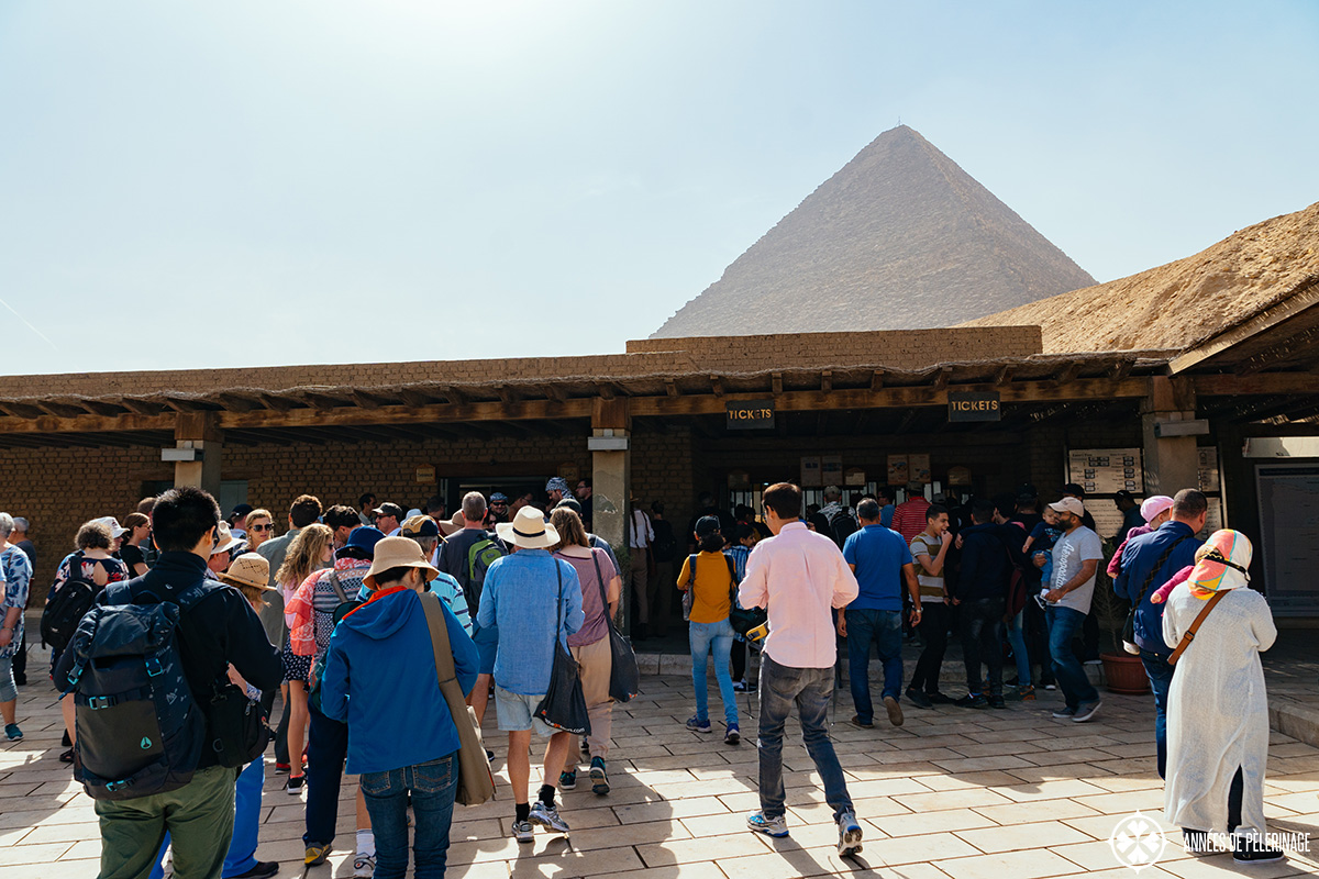 The ticket office in front of the great pyramids of Giza