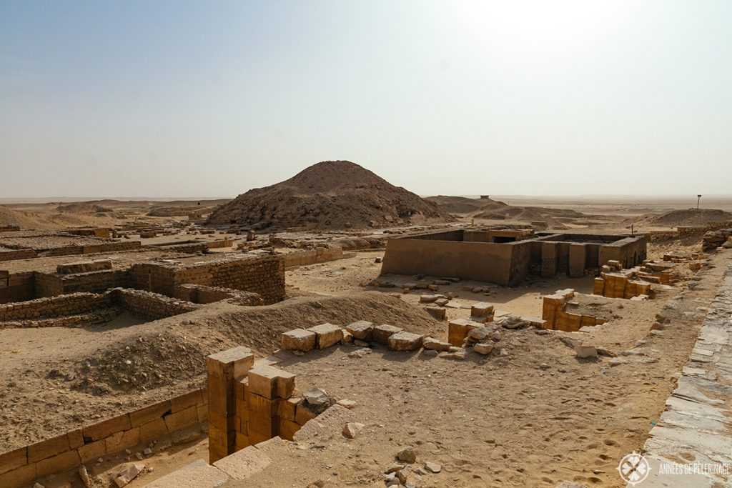 Other tombs and pyramids outside the main burial complex of saqqara