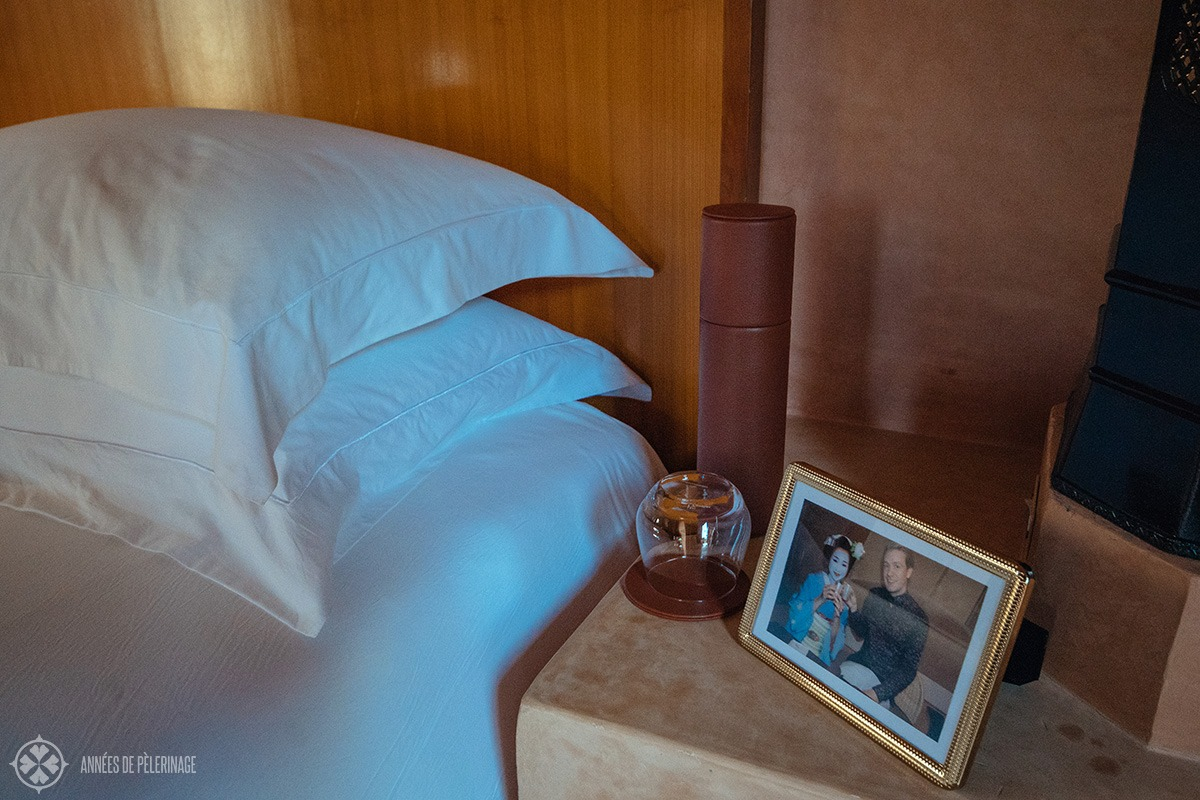 A picture frame with one of my pictures was waiting for me next to my bed at Amanjena