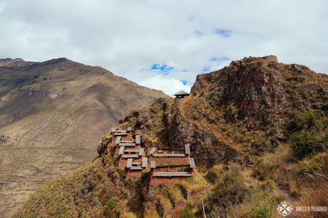 View of the Kinchiraqay granaries at the far back of the Pisac ruins