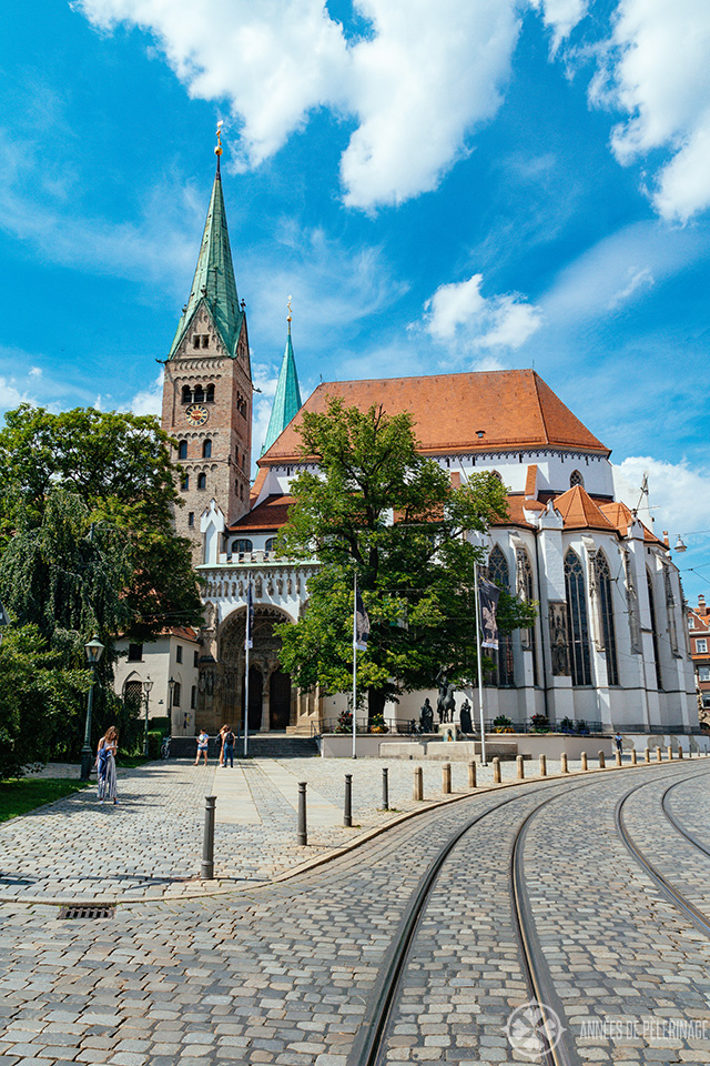 Front view of Augsburg cathedral