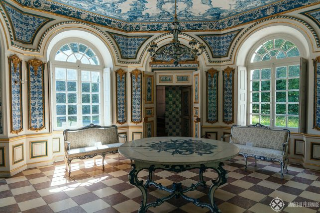 The tiled main room inside the Pagodenburg