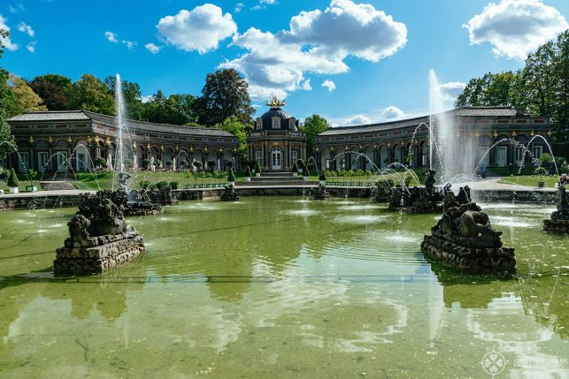 The fountains in front of the Temple of the Sun at the Eremitage in Bayreuth