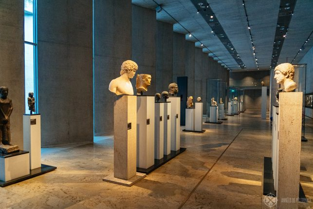 The exhibition hall with the late Egyptian / Roman statues