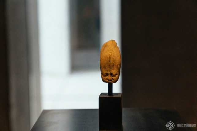 A tiny head of (possibly) Pharaoh Cheops from the 4th dynasty