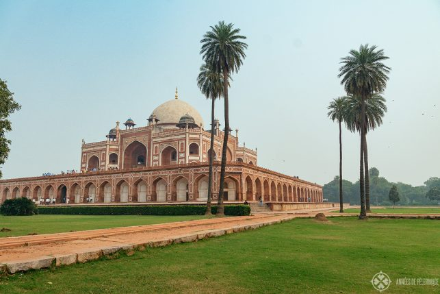 Here's the view of Humayun's tomb from the East side where hardly any tourists are