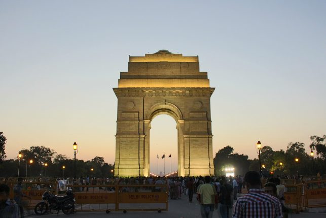 The India Gate close before nightfall - one of many free things to do in Delhi