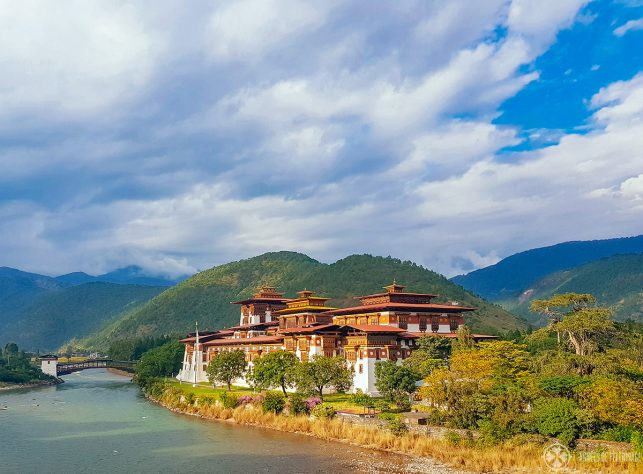 Full view of the fantastic Punakha Dzong in Bhutan