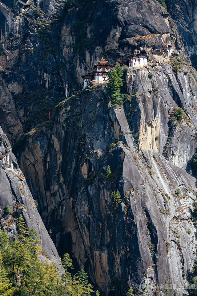 a picture of the Tiger's Nest trying to convey the sheer dimensions of the hike