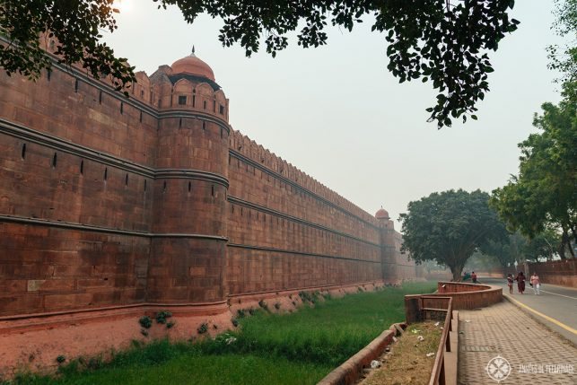 The walls of the Red Fort (to give you a good impression of its size)