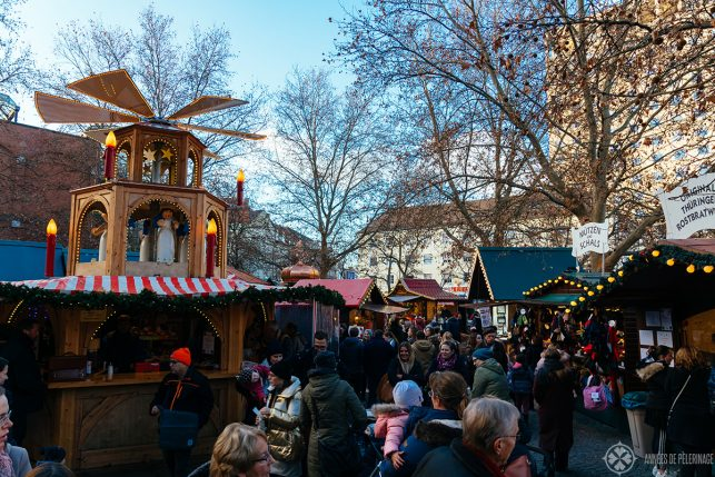 The small christmas market at Rotkreutzplatz in Munich