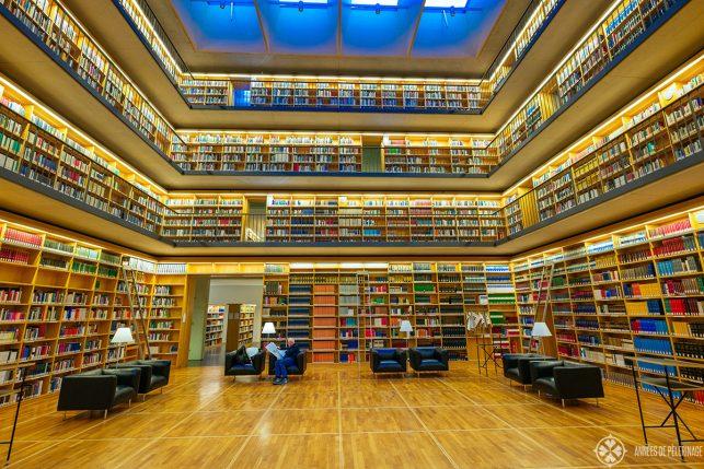 The public library inside the Studienzentrum
