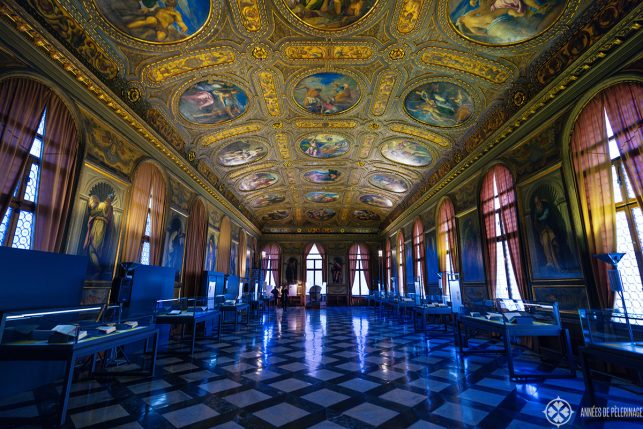 The golden reading hall in the Biblioteca nazonale Marciana