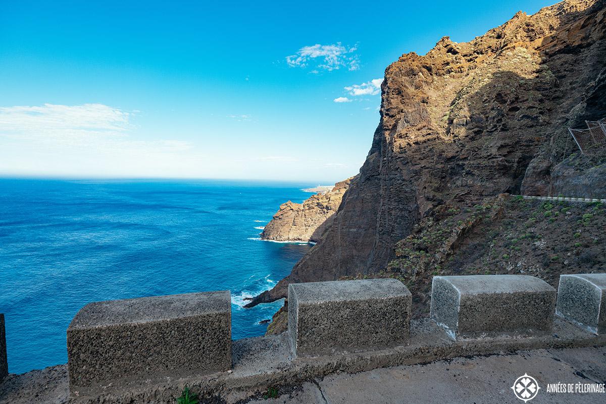 the steep road leading to the punta de teno
